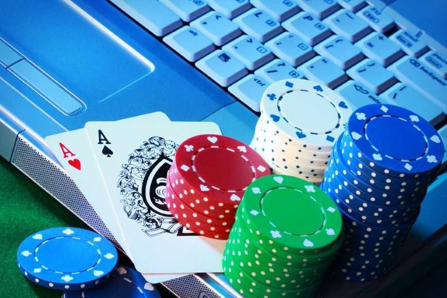 The Development of Blackjack: From Table to Online Screen