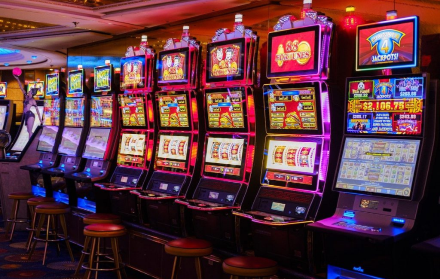 The difference between RNG & Live Casino